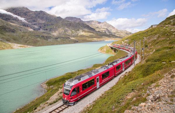 Brian-Opyd-Photography-Swiss-Train-Alps-600.jpg