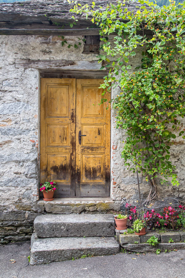 Brian-Opyd-Photography-Door-Switzerland.jpg